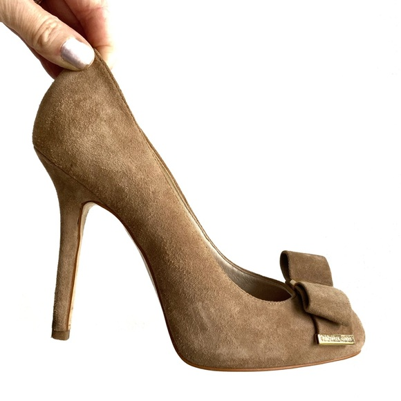 MICHAEL KORS / 'Delphine' suede high heel with bow